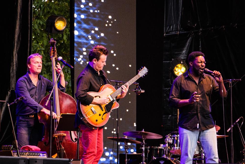 Sylvain Luc lors du Saint-Émilion jazz Festival 2018
